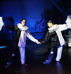 les soeurs Morgan magiciennes enfants de la troupe