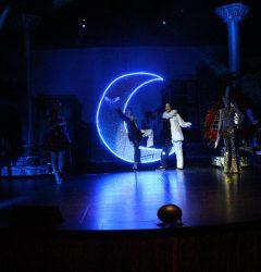 Spectacle magie troupe itinérante