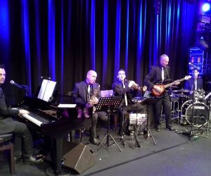 paris cabaret musicien live