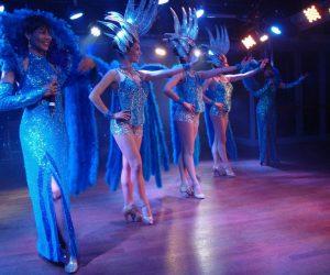 Paris cabaret revue costumé