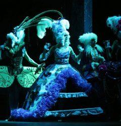 Versailles UV cabaret