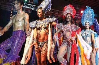 Revue Folies tropicales cabaret itinérant parisien